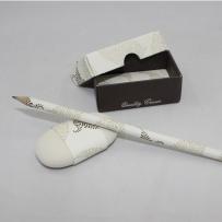 Radiergummi und Bleistift I Fogli braun